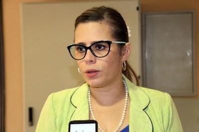 """Kattya González pide destitución de viceministro Rolón """"por filtrar información sensible"""""""