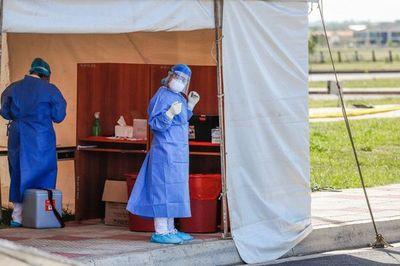 """Médico insta a la ciudadanía aplicar modo """"COVID de vivir"""" para evitar expansión del virus"""