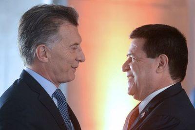 Cartes recibe a Macri, exmandatario argentino y actual presidente de la Fundación FIFA