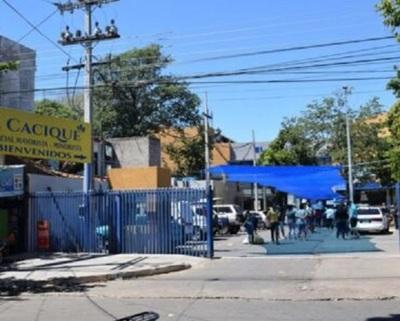 Relajo causó brote de casos en Luque, asegura intendente