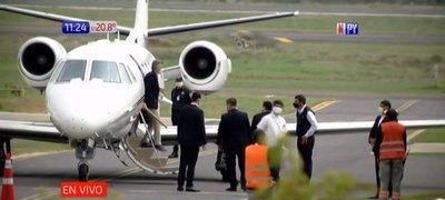 Macri visita Paraguay y es recibido por Cartes en plena pandemia