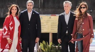"Macri ""visita"" a Abdo Benítez tras encuentro con Cartes"