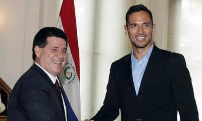 """""""Me gustaría hacer cosas buenas por el país"""", dice Roque Santa Cruz – Prensa 5"""