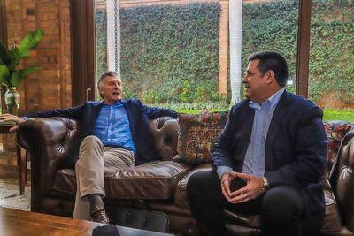 """Efraín dice que Macri vino para una """"reunión de traidores"""""""