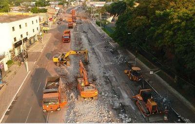 """Wiens dice que obras demolidas del fallido metrobús costaron """"solo"""" US$ 1,2 millones"""
