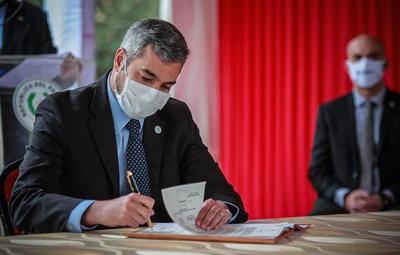 Promulgan ley de jubilación de profesionales médicos, odontólogos y bioquímicos