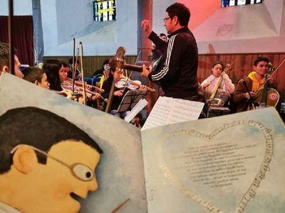 Ricardo Montaner se emociona con Orquesta de Reciclados de Cateura