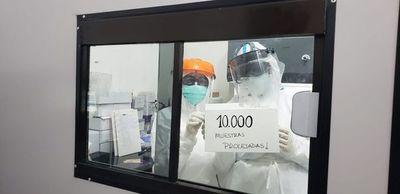 Laboratorio llegó a 10.000 muestras para covid procesadas