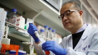 Vacuna contra COVID-19 produjo anticuerpos que neutralizaron la enfermedad en pacientes