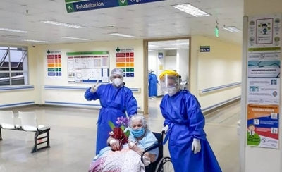 HOY / Mujer de 94 años vence al COVID-19 en Ciudad del Este