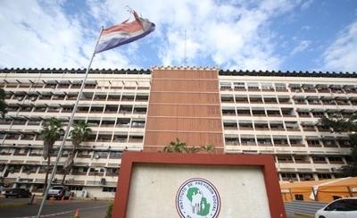 HOY / Médicos del IPS rechazan ley de seguro nacional de salud