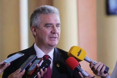 Bacchetta endurece discurso contra el Gobierno