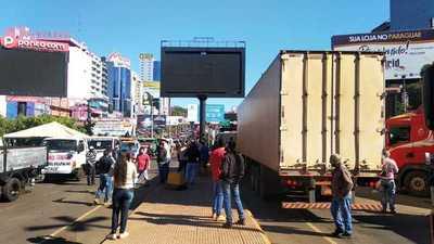 Camioneros de menor porte levantan medida de fuerza en CDE
