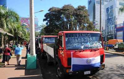 La Aduana autoriza que camiones de menor porte operen en la frontera