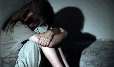 Niña habría sido violada y raptada por tres menores