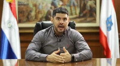 Nenecho prohíbe a funcionarios de la Municipalidad tener barba pronunciada y cabello suelto