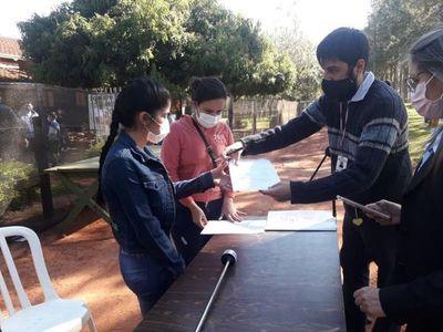 Primer grupo de compatriotas abandona albergue de Curuguaty