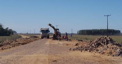 Prevén generar empleos mediante construcción de empedrados en municipios