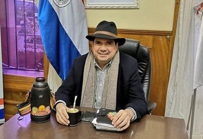 Otra más del gobernador: comunicador lo acusa de incumplir compromiso asumido en 2018
