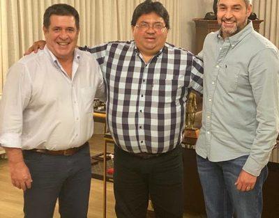 Reunión con Horacio Cartes y otros sectores fue con el fin de lograr estabilidad y consensos, dijo Mario Abdo