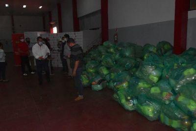 Pescadores de Ayolas reciben kits de alimentos
