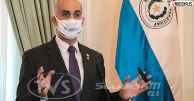 Mazzoleni destaca fortalecimiento del sistema de salud y pide seguir peleando fuera de hospitales