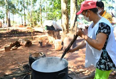 Itaipú apadrina mil ollas populares de la perrada