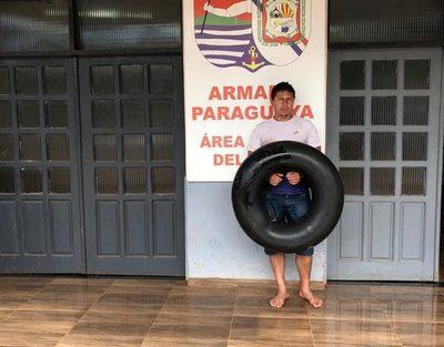Hombre llegó nadando desde Argentina y fue detenido