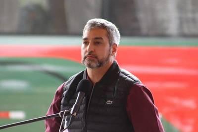 Abdo defiende plan de unidad partidaria y de reactivación con deuda