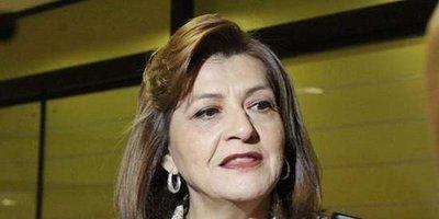 """Blanca Ovelar defiende al Gobierno: """"Hay gente destrozada por trabajar sin descansar"""""""