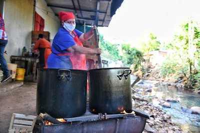 Se comprometen en redoblar asistencia para ollas populares de Alto Paraná