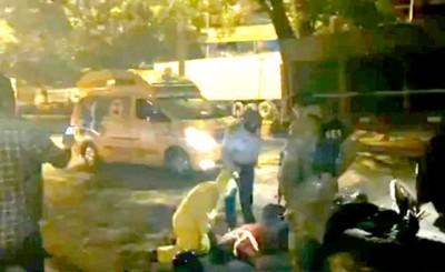 Motociclista embistió contra un camión estacionado y murió